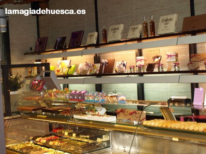 Pastelería Ascaso.