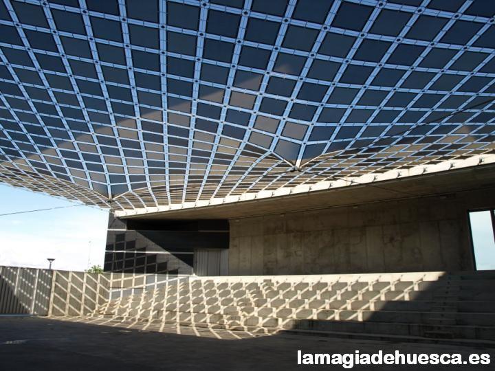 Zona exterior polivalente Palacio de Congresos.