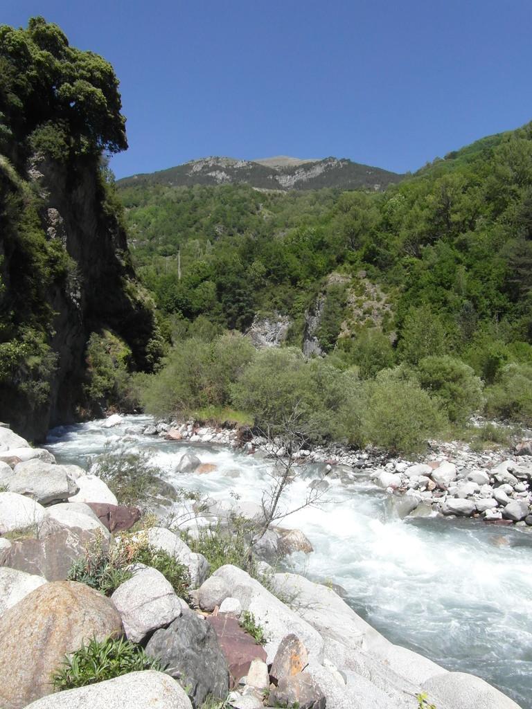 El río Cinqueta a su paso por San Juan de Plan