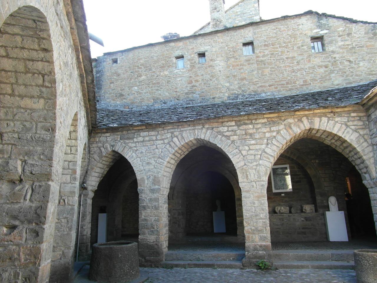 Clasustros Iglesia de Aínsa