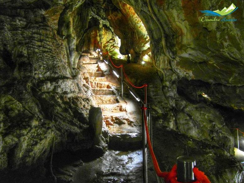 Cueva de las güixas Villanúa