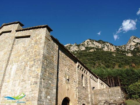 Detalle Iglesia de Santa María de Obarra