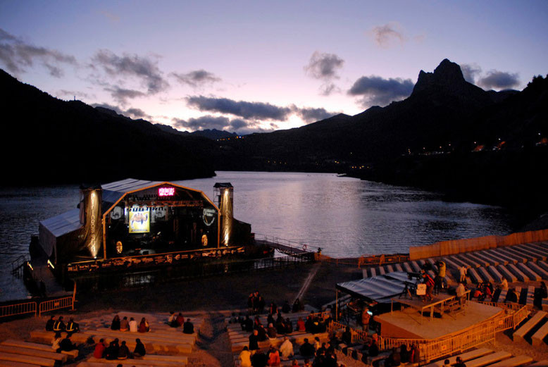 Escenario de Lanuza. Festival Pirineos Sur.